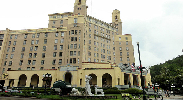http://images.travelpod.com/users/ranlo/5.1405961202.arlington-hotel---hot-springs.jpg