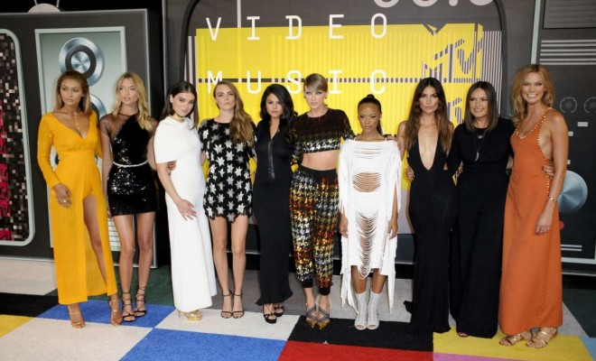 VMA 2015 Red Carpet Bad Blood cast