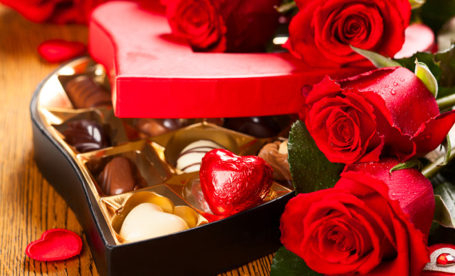 Valentines-Day-chocolates-and-roses